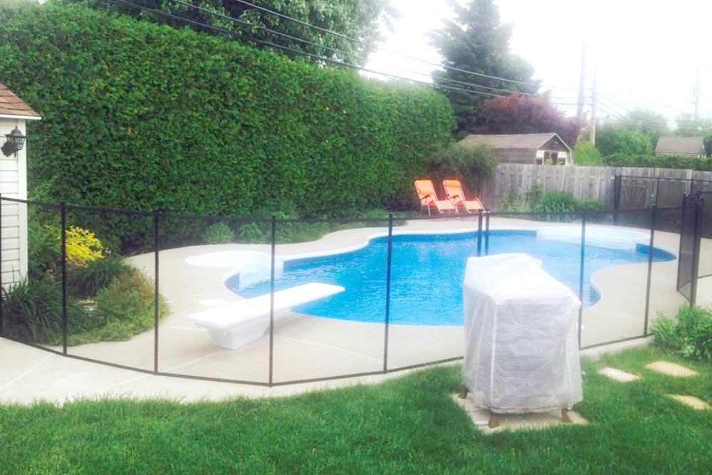 Baby guard swimming pool fence photo gallery for Cloture piscine montreal